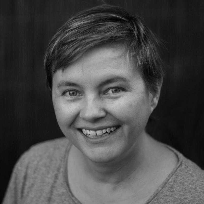 Julie Grundy