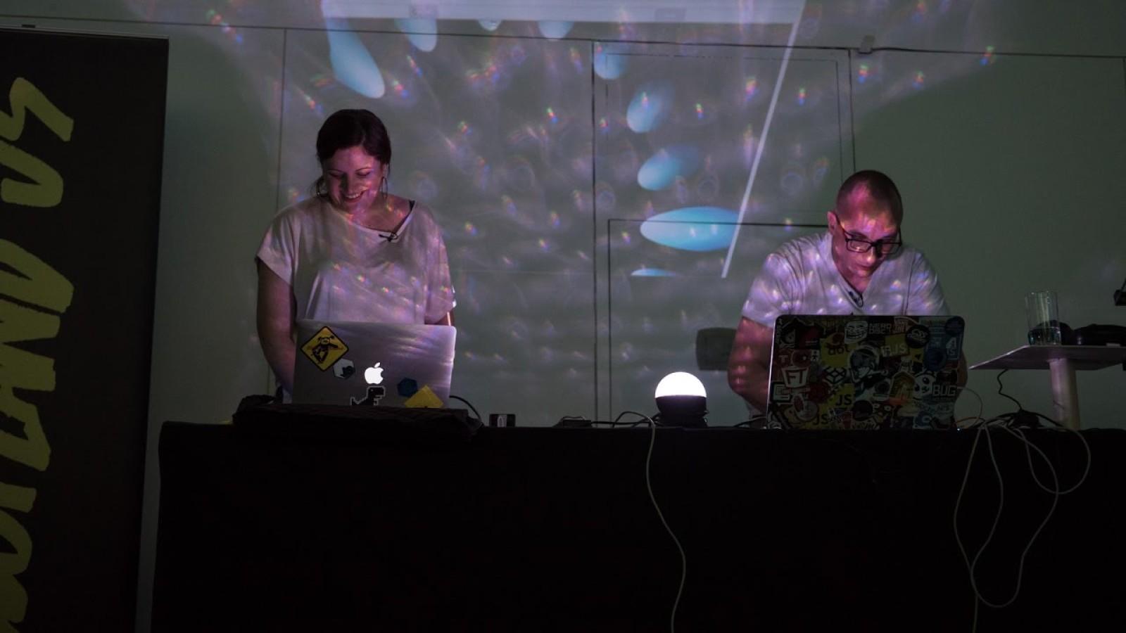 { Live : JS } Performance